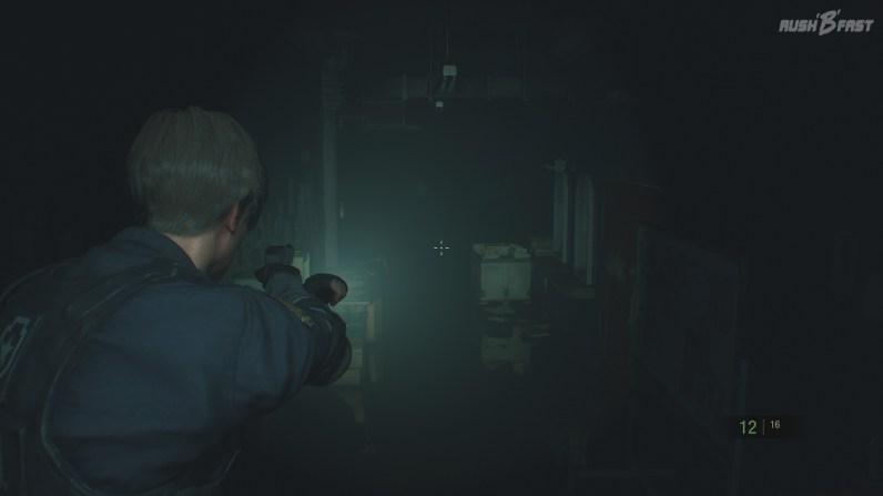 Resident Evil 2 - Dank Taschenlampe kein Blindflug in der Dunkelheit. (Lichtschalter können ebenso verwendet werden)