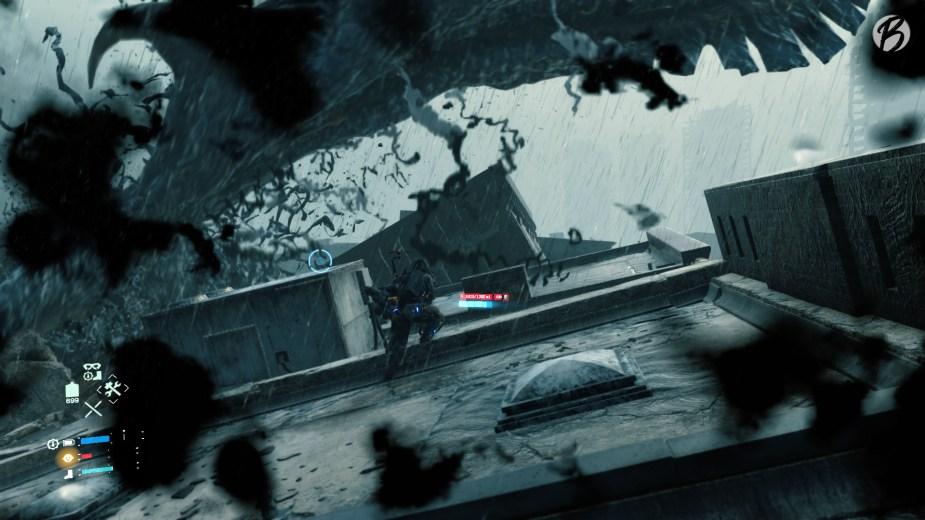 Death Stranding - Wenn die Spielwelt plötzlich von einer Teerschicht erfasst wird, kommen alte Strukturen wie Häuser oder Fahrzeuge zum Vorschein auf denen wir Schutz suchen können.