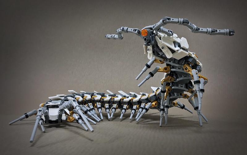 Quelle: flickr - Mitsuru Nikaido - Mecha-Centipede