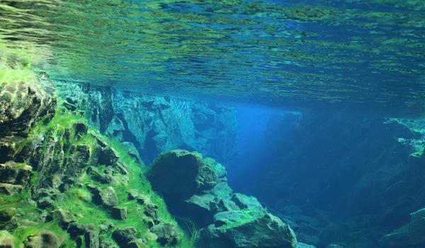 Scuba_diving_between_tectonic_plates
