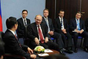 Встреча Владимира Путина с Заместителем Председателя Китайской Народной Республики Ли Юаньчао. Фото пресс-службы президента России