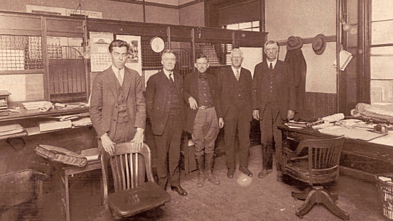 Everett Randolph Combs, Russell County Clerk of Court, and others, ca. 1918