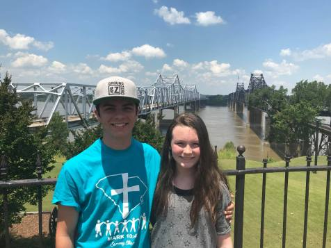 Will & Sidney - we stopped at the Mississippi River for a pic!