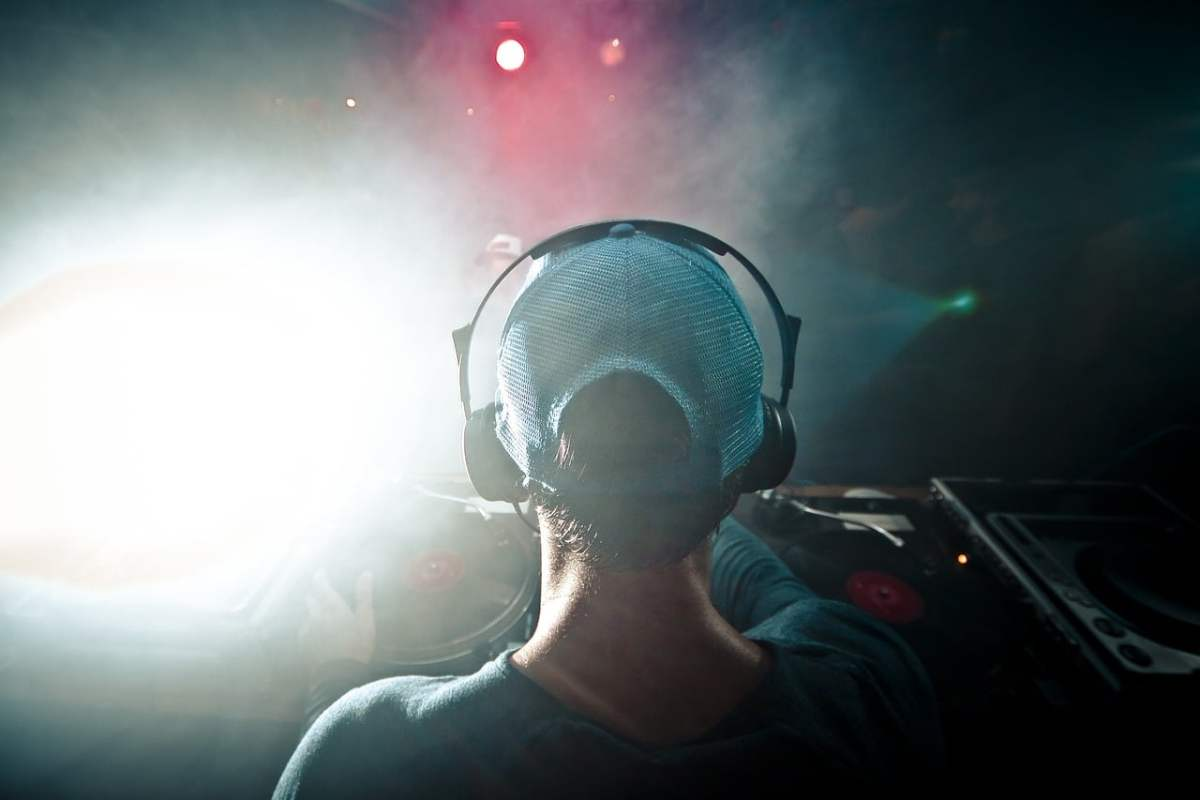 DJ's are part of the TEN WORST THINGS ABOUT LIVING IN LAS VEGAS
