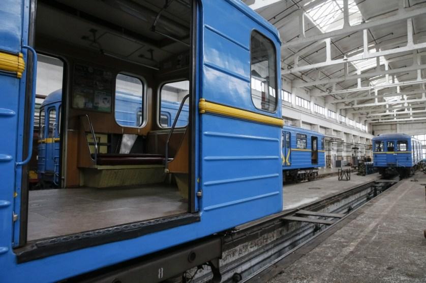 __GAR102_UKRAINE-SUBWAY-_0302_11-1456935521_161