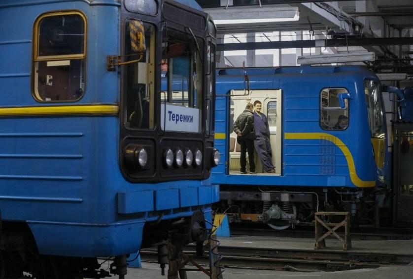 __GAR109_UKRAINE-SUBWAY-_0302_11-1456935663_161