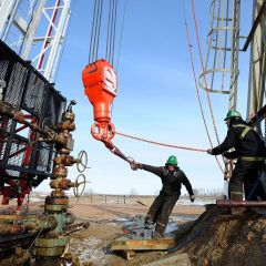 Iran advocates return of country oil production quotas
