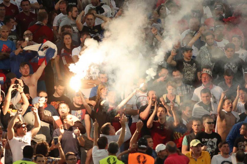 Fans-clash54747457