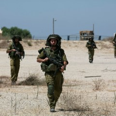 Israeli army Kidnaps A Palestinian In Husan, Searches Homes Near Al-Khader