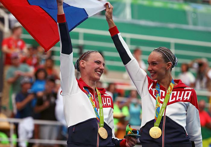 Российские синхронистки Наталья Ищенко и Светлана Ромашина выиграли Олимпиаду-2016 в соревновании дуэтов и принесли России 12-е золото Игр. Спортсменки теперь являются четырехкратными олимпийскими чемпионками.