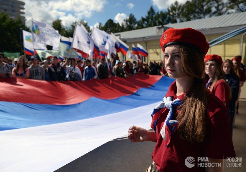 22 августа россияне отметили День Государственного флага. Более трех тысяч человек приняли участие в праздничных мероприятиях в Новосибирске.