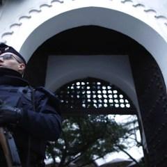 Власти Франции закрыли более 20 мечетей из-за пропаганды экстремизма