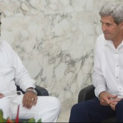 Maduro, Kerry meet in Colombia after peace deal signing