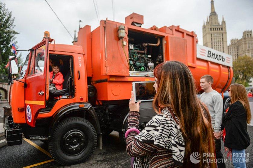Напомним, в минувшие выходные Москва отметила 869-летие.