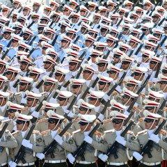 Российский С-300 и другая техника на военном параде в Тегеране