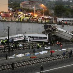 At least 2 dead as train derails in Spain