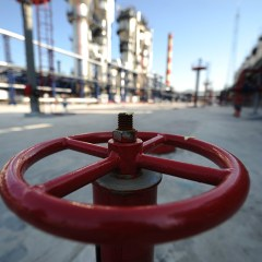 How much did Gazprom's gas export to non-CIS countries grow?