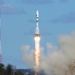 When will Russia's 1st carrier rocket firing naphthyl blast off?
