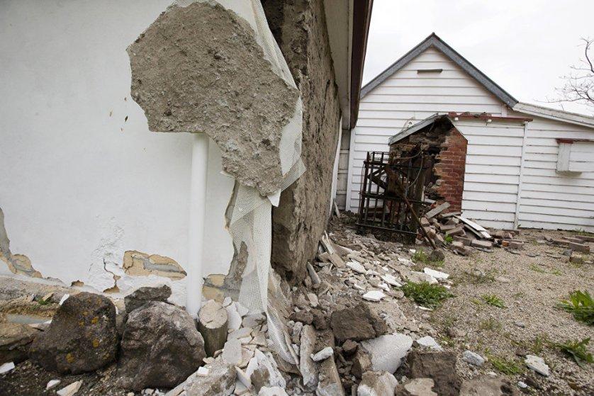 Землетрясение магнитудой 5,8 произошло в понедельник у побережья Южного острова в Новой Зеландии, сообщает Геологическая служба США (USGS).