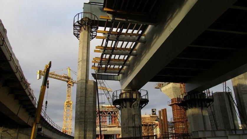 Более 70% участка трассы проходит в виде мостов и эстакад, всего в его составе 7 мостов.