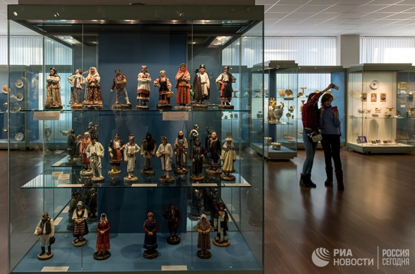 Заводской музей был основан как хранилище образцов, достойных изучения и копирования, по распоряжению Николая I в 1844 году – гораздо раньше таких знаменитых хранилищ произведений искусства, как Третьяковская галерея и Русский музей.