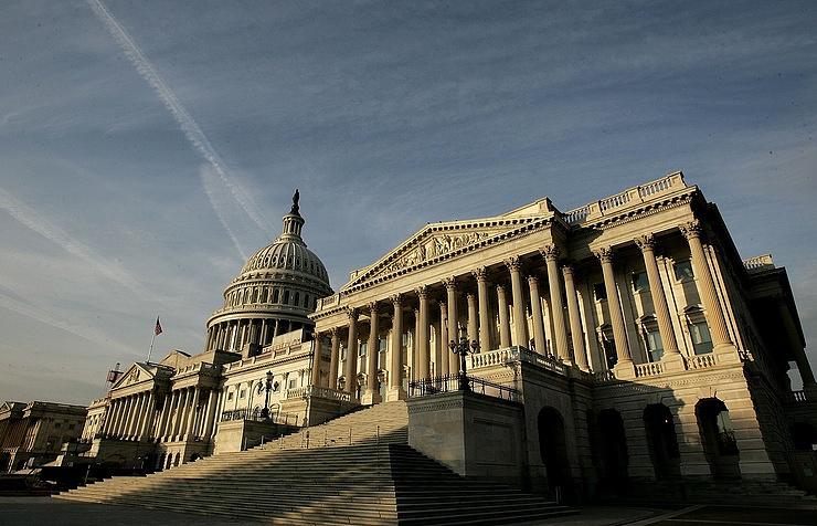 InoPressa (тема дня): Конгресс США показывает знак «стоп» Путину — и Трампу