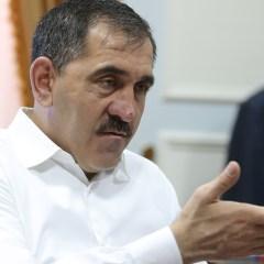 Евкуров поручил зарегистрировать свои соцсети как СМИ