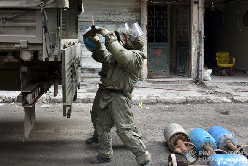 Все мины, лежащие на складе, были заводского изготовления и хорошего качества. По словам руководителя международного противоминного центра, это является свидетельством того, что в Сирии велась минная война.
