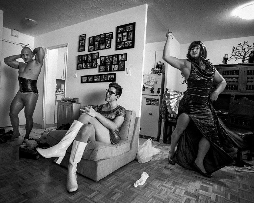 """""""Мальчики такие мальчики"""" фотографа Джованни Каприотти заняли первое место в категории """"Спорт. Серия фотографий""""."""