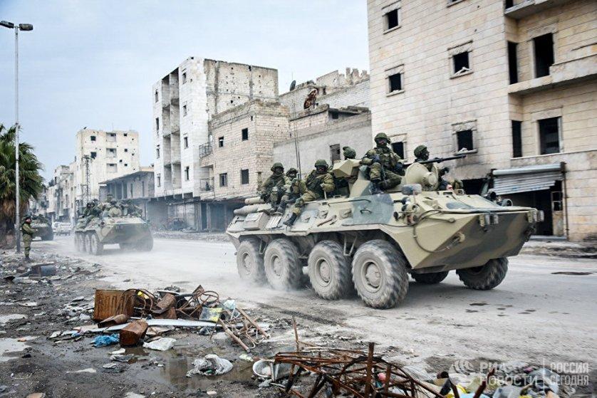 Российские военные инженеры Международного противоминного центра в Алеппо.