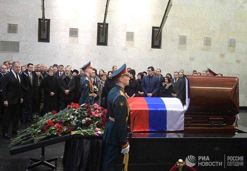Все, кто брал слово на траурной церемонии, делились личными воспоминаниях о дипломате и говорили о его профессиональных достижениях.
