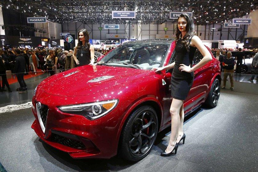 Автомобиль Alfa Romeo Stelvio стал первым кроссовером итальянского бренда.