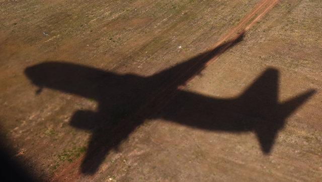 Индиец спровоцировал панику в трех аэропортах из-за романа в интернете