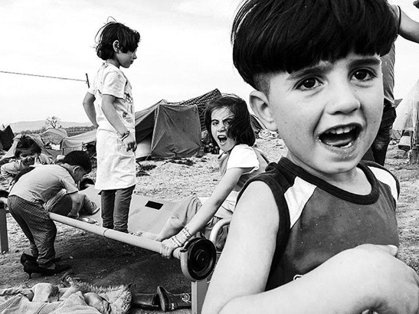 """Победитель в номинации """"Фоторепортаж"""" Велар Грант, снимок """"Забытые дети Идомени""""."""