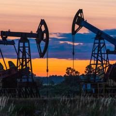 Добыча в США и замедление потребления топлива в Китае играют против нефти