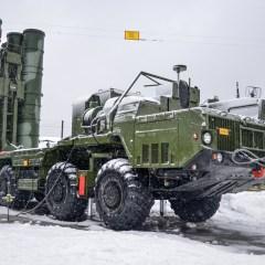 روسيا تحتفل بيوم قوات الدفاع الجوي المزودة بمنظومات لا مثيل لها بالعالم