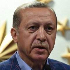 أردوغان يفوز بالدستور ويلتقي ترامب