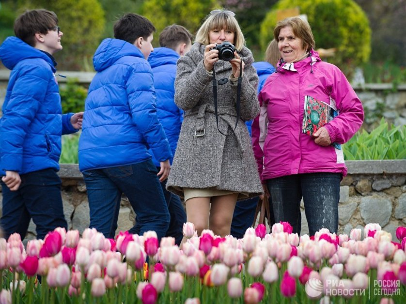 Современная коллекция сада насчитывает 300 сортов тюльпанов и 900 их гибридных форм.