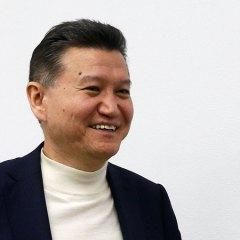 Илюмжинов остался на посту главы ФИДЕ