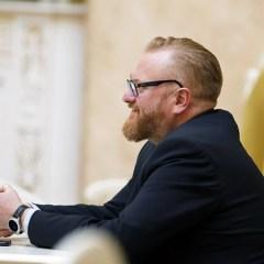 Милонов внес в Думу законопроект о регистрации в соцсетях по паспорту