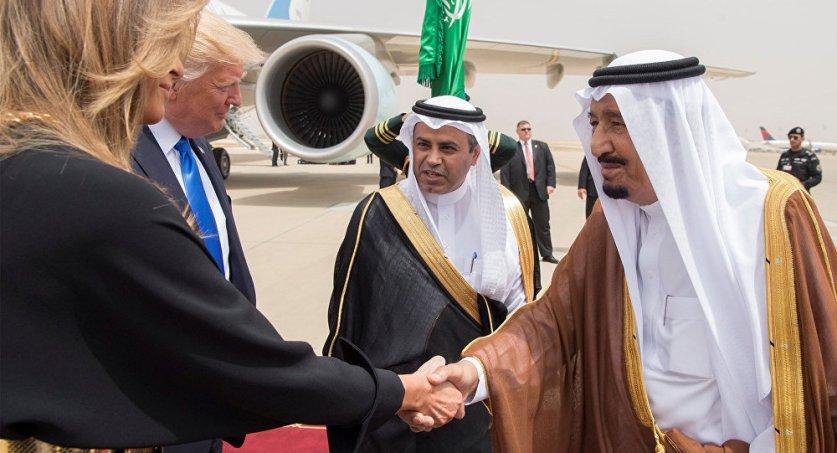 كيف غير ترامب رأيه والتقى الامير بن سلمان بعد تردد.. وما هي الصفقة الحقيقية التي فاز بها في الرياض؟