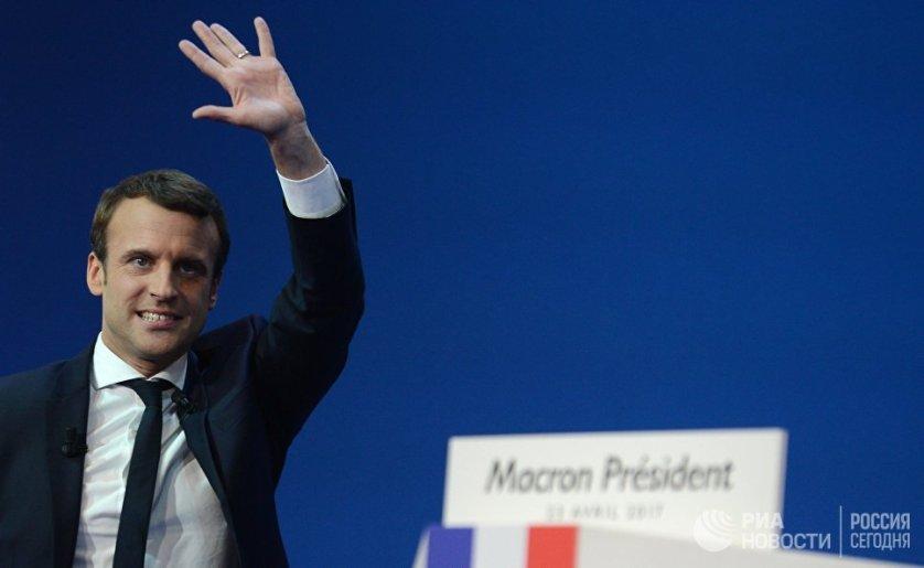 Рейдерский захват Франции: о хитром плане Макрона