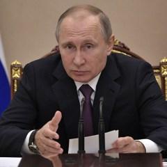 Путин поручил кабмину разработать стратегию в области защиты прав потребителей