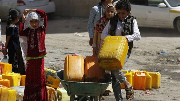 مخاوف من احتمال تفشي وباء الكوليرا في اليمن