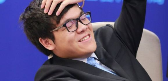 غوغل يتفوق على بطل العالم في لعبة غو
