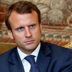 Президент Франции считает необходимым сократить состав парламента на треть