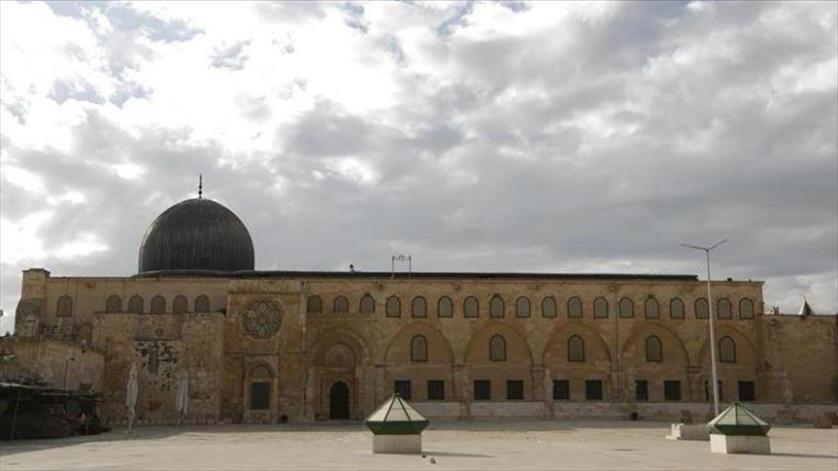 الشرطة الاسرائيلية تعتقل ثلاثة حراس في المسجد الاقصى