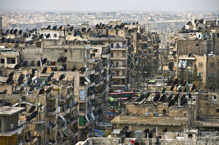 Разрушенный жилой квартал города Алеппо. Сирия, 18.02.2016.
