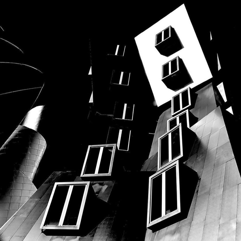 """Работа фотографа из США Джошуа Саринана, занявшая 1-ое место в категории """"Серии""""."""