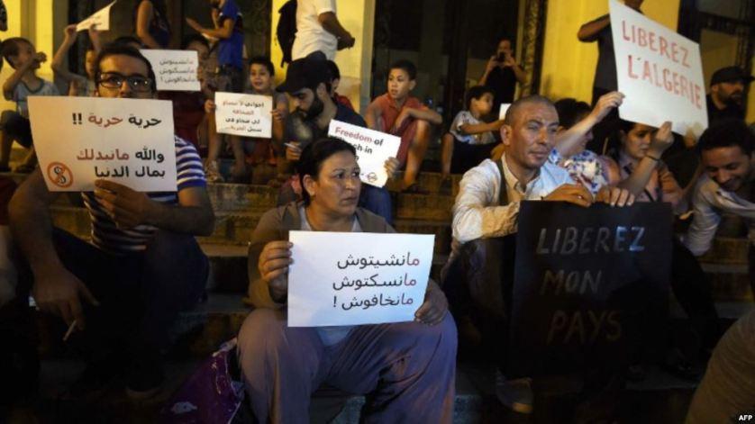 'مراسلون بلا حدود' تنتقد وضع حرية الصحافة بالجزائر